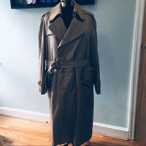 Burberry tan wool lined trench coat, size 42R